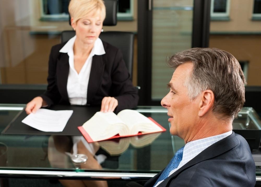 Как становятся на налоговый учет нотариусы адвокаты