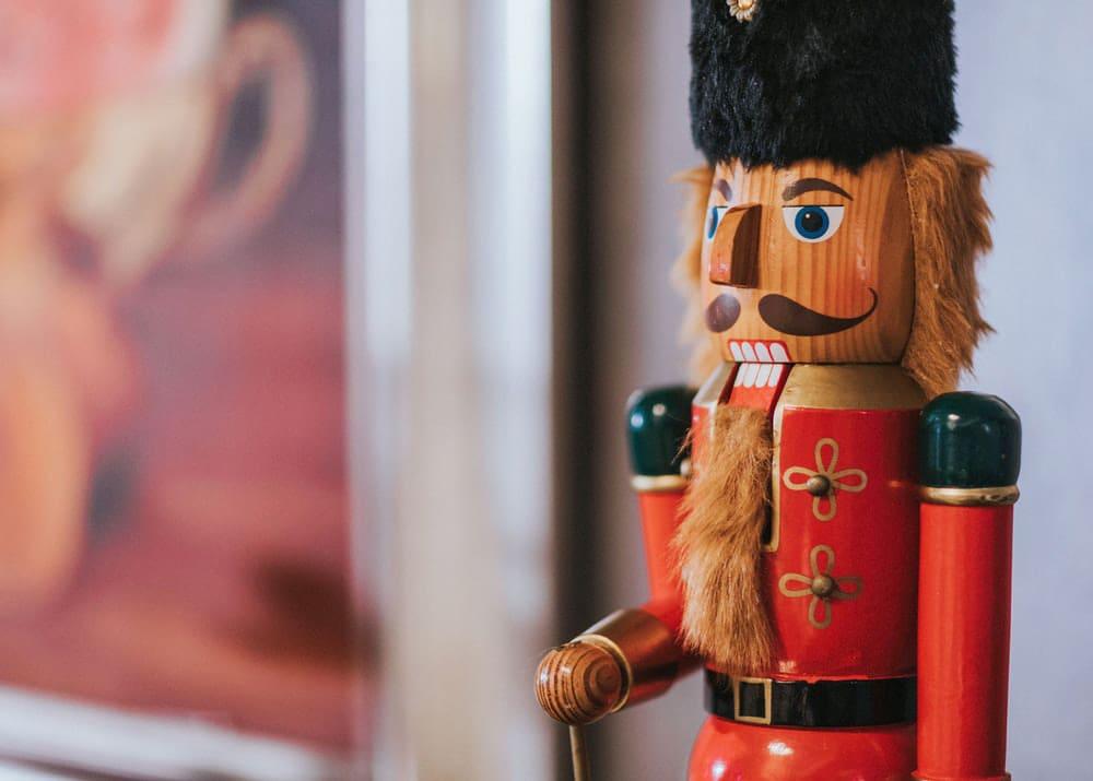 Как открыть свой бизнес по производству елочных игрушек