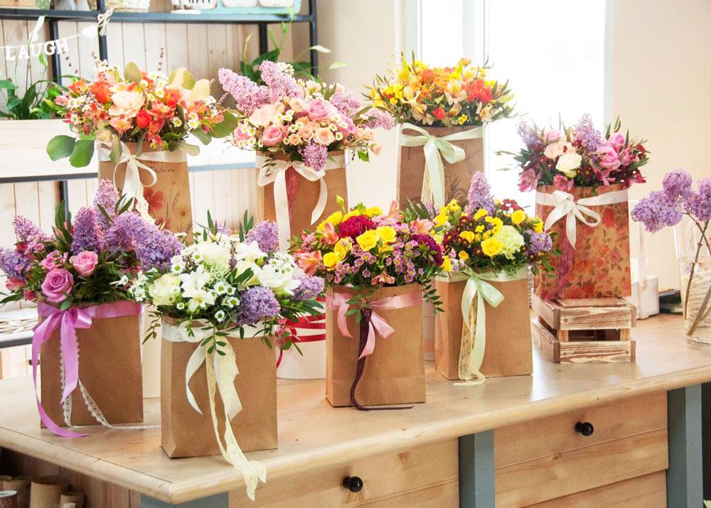 Букеты в цветочных ларьках