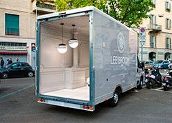 Идеи дизайна: Итальянский палаццо в автофургоне