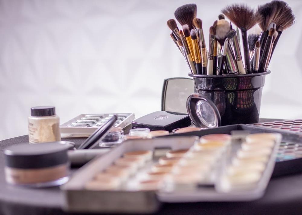 Свой бизнес: как открыть магазин косметики и парфюмерии с нуля