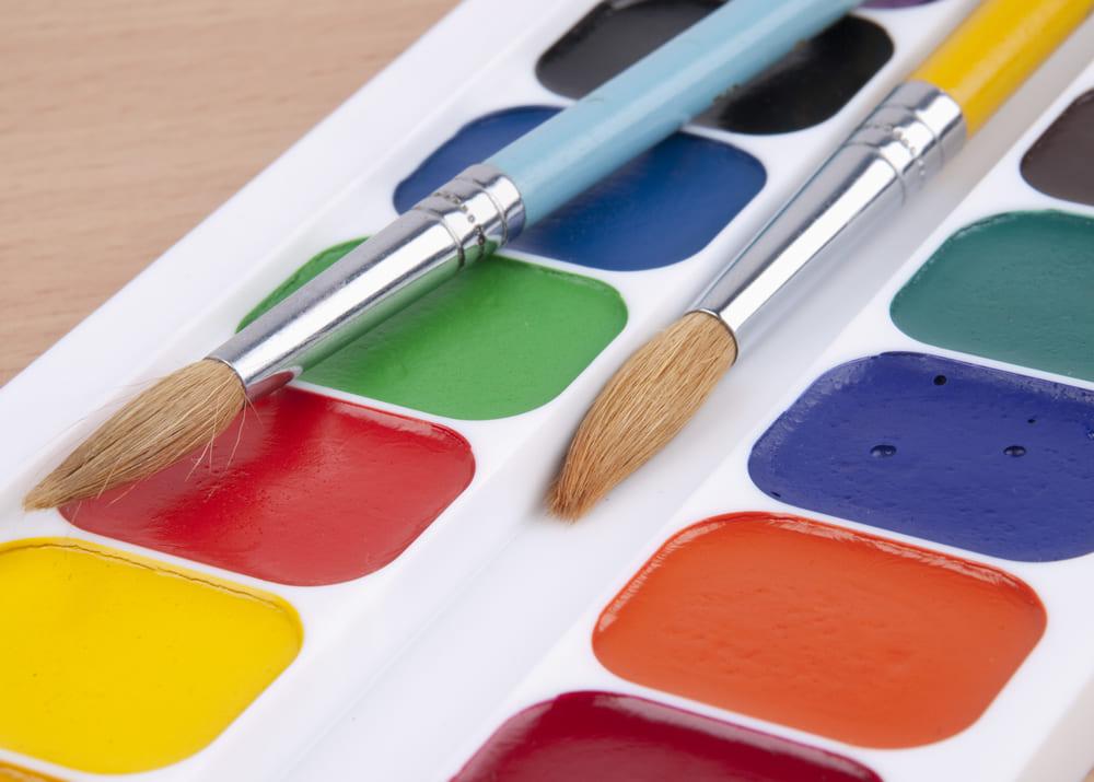 Свой бизнес: производство акварельных красок