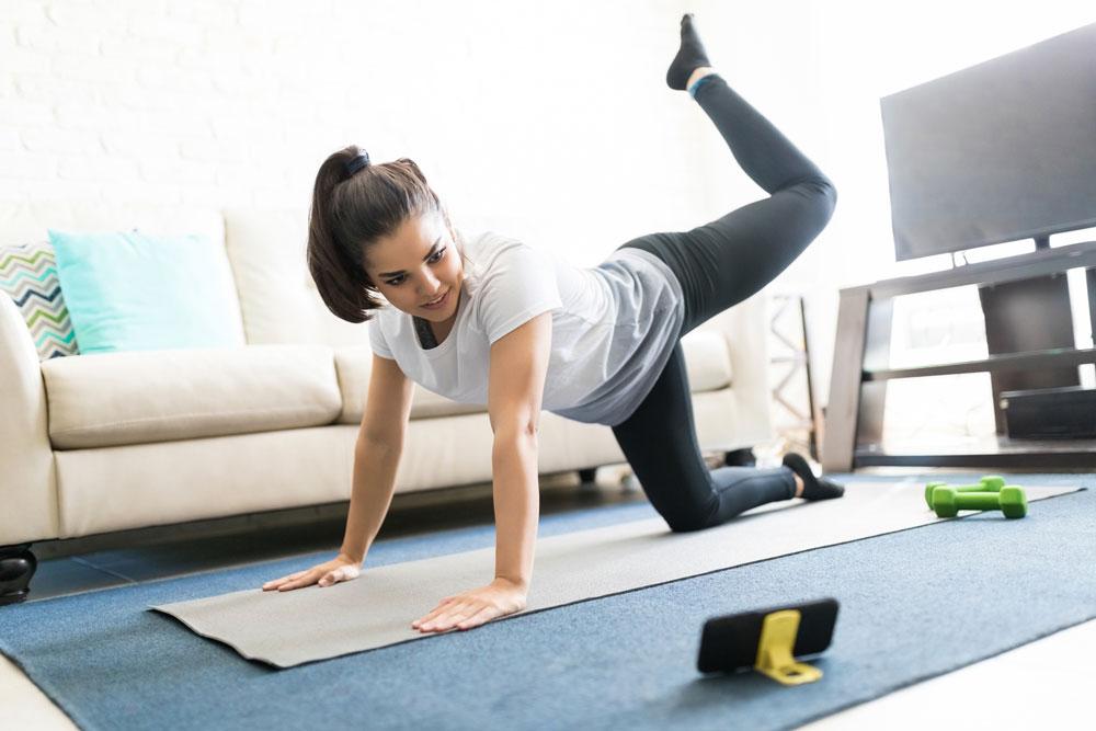 Фитнес выходит в интернет: как заработать на онлайн-тренировках
