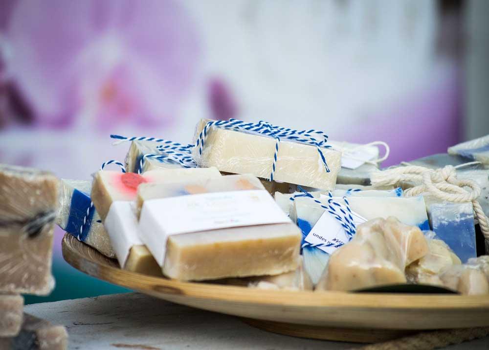 Мыло ручной работы: как заработать на домашнем мыловарении
