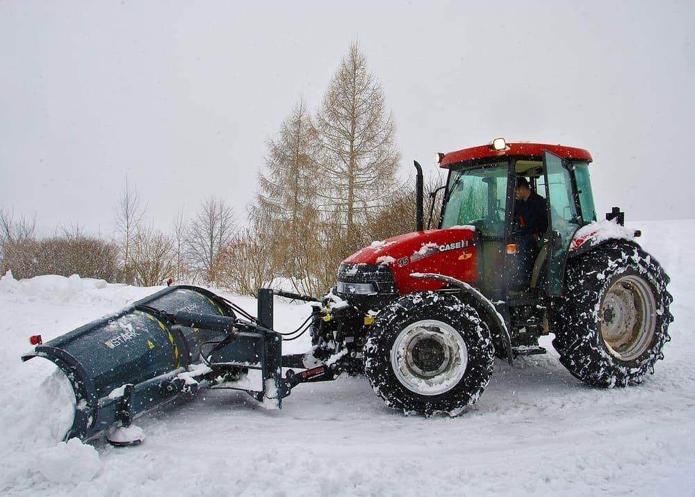 Зимний бизнес: как заработать на уборке снега